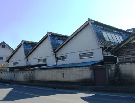 写真:岡村織物工場の外観