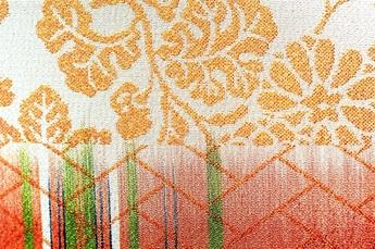 経絣紋織(たてかすりもんおり)の写真
